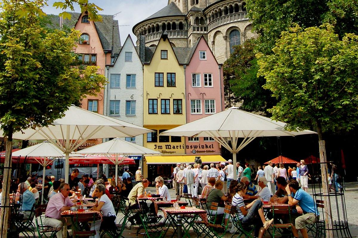 """Die Altstadt mit der Kirche """"Groß St. Martin"""""""