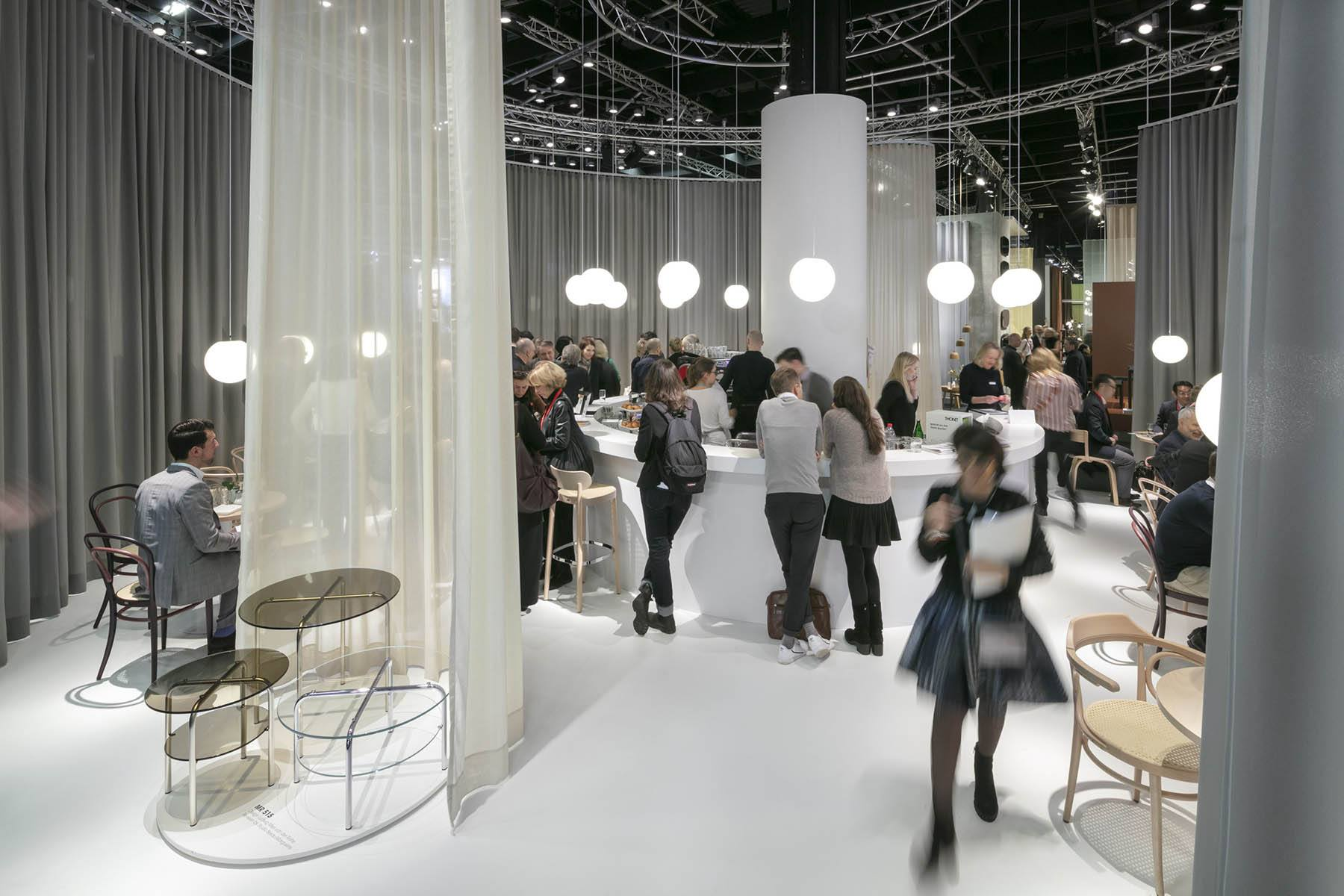 Stand: Thonet, Halle 3.2, Pure Editions